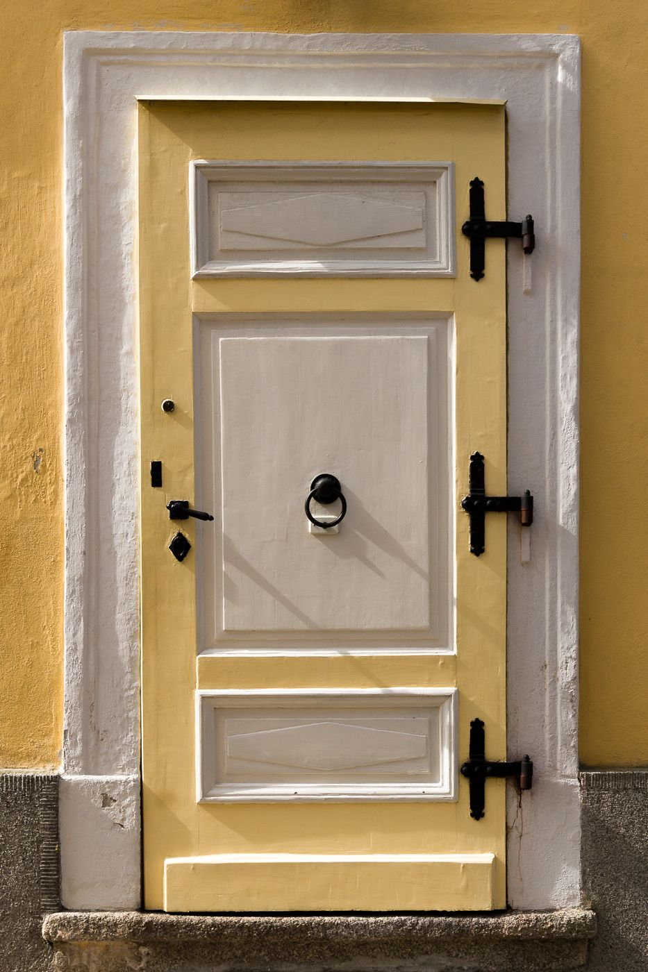 Gelbe Tür in Franzensbad (Tschechien)